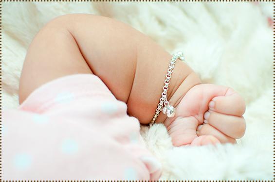 Jóias para recém-nascidos 7ea0f48c82e